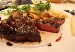Jak připravit dokonalý steak? Tipy od nejlepších kuchařů