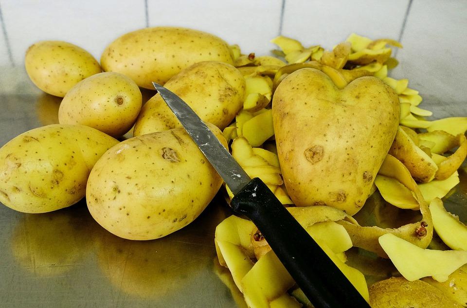 Jak využít slupky od brambor?