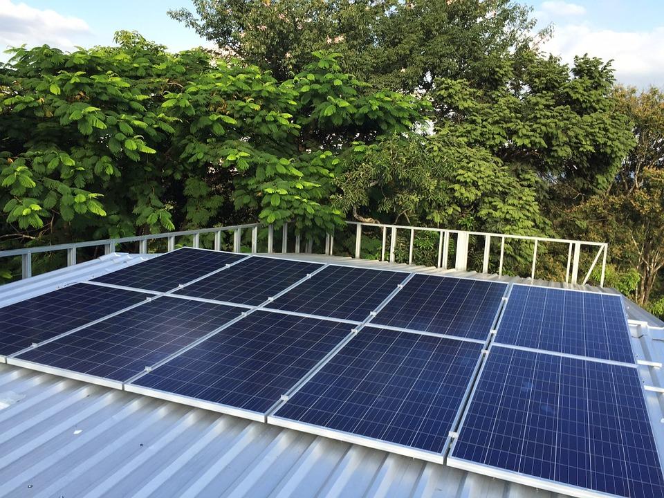 Koronavirus se projevil i na fotovoltaice. Ceny panelů začínají padat
